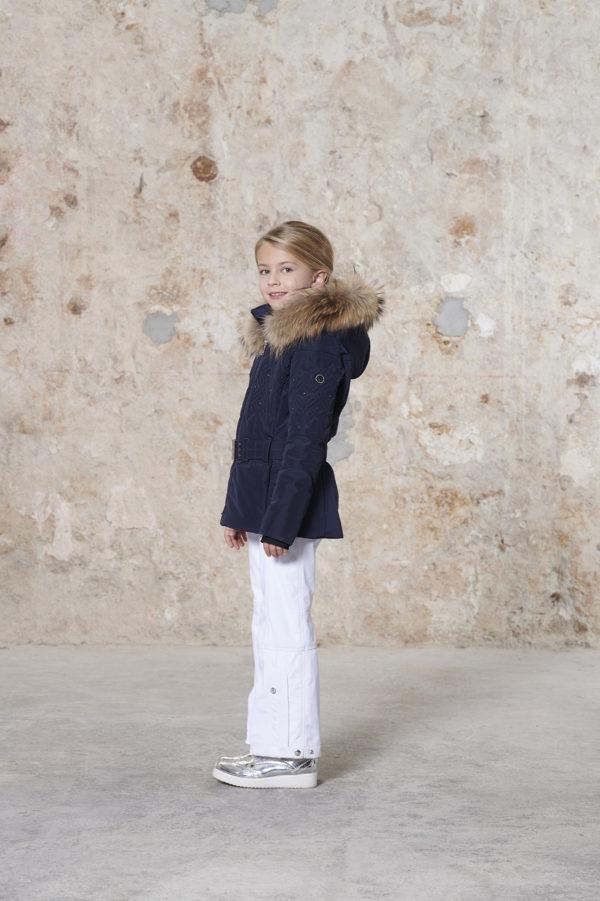 Детская куртка для девочки W20-1003-JRGL/A (с искусственным мехом) - фото 2