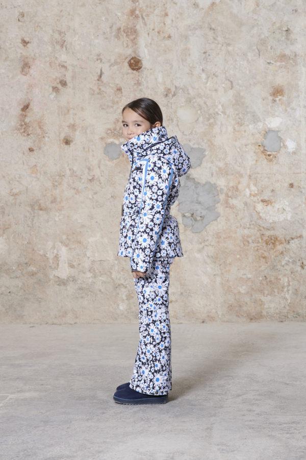 Детская куртка для девочки W20-1002-JRGL/A (с искусственным мехом) - фото 4