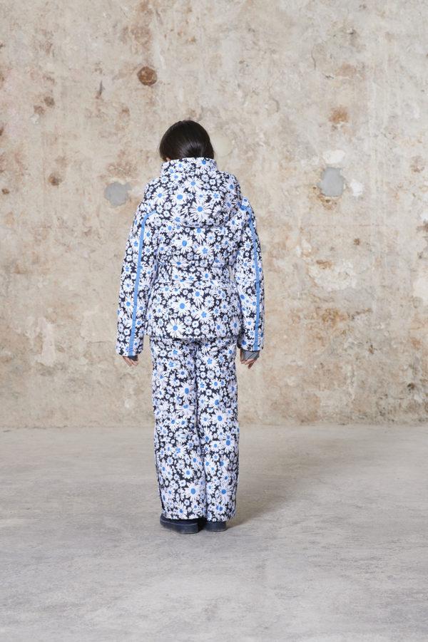 Детская куртка для девочки W20-1002-JRGL/A (с искусственным мехом) - фото 3