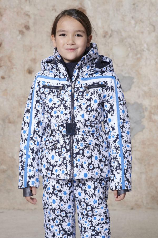 Детская куртка для девочки W20-1002-JRGL/A (с искусственным мехом) - фото 2